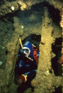 J5 Submarine a